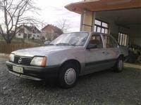 Opel Ascona -93