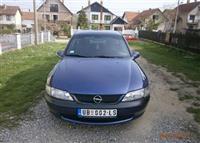 Opel Vectra 1600,16v hecbek -97
