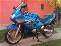Suzuki GSX600F, 2000god