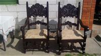 Dve stolice u duborezu