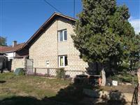 Prodajem kucu u Mladenovcu-Selters banja