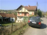 Dve kuce u selu Mijailovac opstina Trstenik