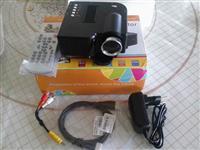 Nov Mini led projektor za kucni bioskop