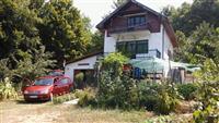 Kuća u vikend naselju u Donjem Milanovcu