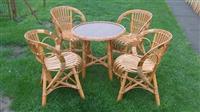 stolovi i stolice od pruca
