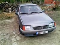 Opel Rekord 1,8i -87