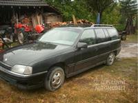 Opel Omega karavan 24i -88