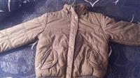 prodajem zensku jaknicu 1000 din.