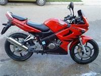 Honda CBR 125R -05