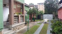 Prodajem kucu u centru Jagodine