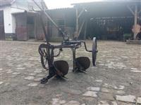 Dvobrazni konjski plug