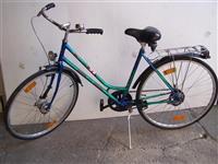 Klasicno zensko biciklo
