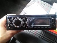 USB, AUX plejer za kola