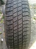 Michelin - Auto guma / 185x60x14 sa felnom