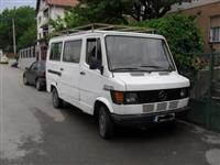Mercedes 207D Kombi -86