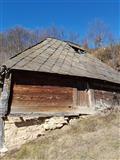Stara drvena kuća za preseljenje