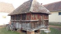 Ambaru dobrom stanju pogodan za etno sela