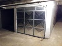 Garažu 18m2 Centar
