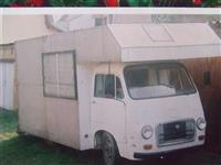 Vozilo specijalno za stanovanje IMV RENAULT