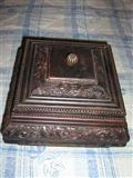 Drvena kutija za nakit