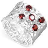 Srebrni prsten sa poludragim kamenom rubinom