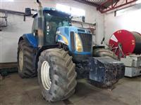 Prodajem traktor NEW HOLLAND T8040