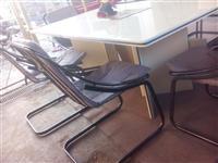 Trpezarijski sto i 6 stolica