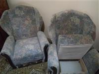 Prodajem dve velike fotelje