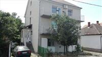 Prodajem kucu 300m2 u Pancevu