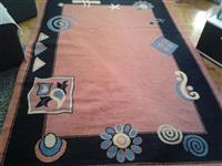 Tepih u odlicnom stanju