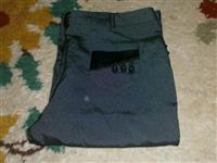 Tri cetvrtne pantalone