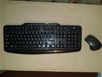 Bezicna Tastatura i Mis + 4 baterije (Novo)