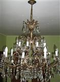 Stilski kristalni luster