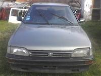 Toyota Corola delovi