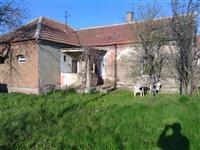 Kuća na putu između Smed Palanke i Velike Plane