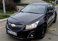 Chevrolet Cruize Sedan - 12
