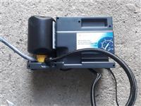 Mini kompresor za gume