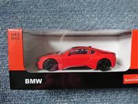 BMW i8 - 1:24 - metalni autić
