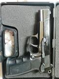 Startni pistolj 9mm