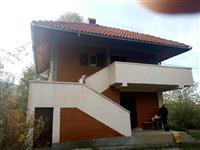 Kucu u selu Ba kod Ljiga