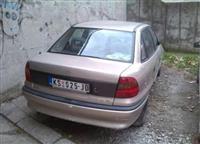 Opel Astra 1.6, 16v F -96