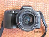 Minolta Dynax 2xi sa zoomom 35-80 mm+kais