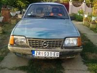 Prodajem Opel Askonu