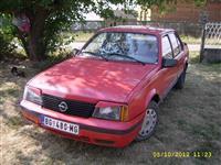 Opel Ascona 1.3 - 82