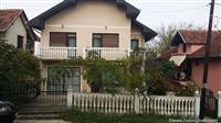Povoljno Kragujevac-uknjizena nova kuca Aerodrom