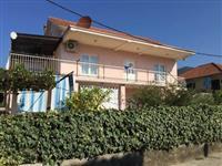 Povoljno prodajem kucu u Tivtu