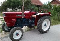 Traktor Universal 445 1971