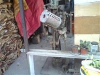 Stara mašina za klaker