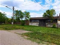 Kuća i plac na prodaju u Banatskom Novom Selu