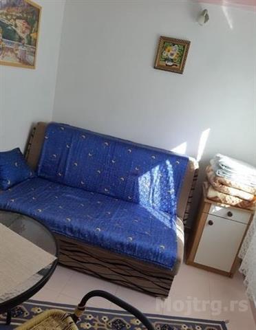 Apartman-i-dvosoban-stan-za-izdavanje-u-Budvi